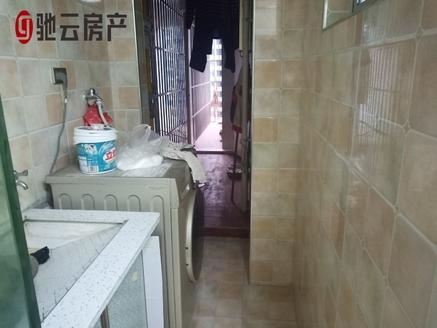 滨江国际B区精装两室一厅,超低单价心动直接入手
