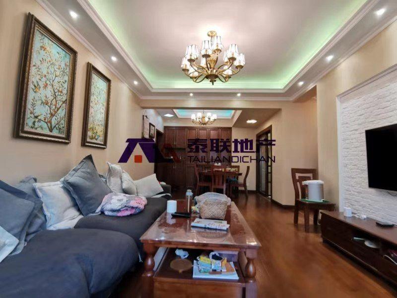 好消息,急售滨江 国际豪华装修的房子,9成新,全实木定制家具,品牌家电,才93万