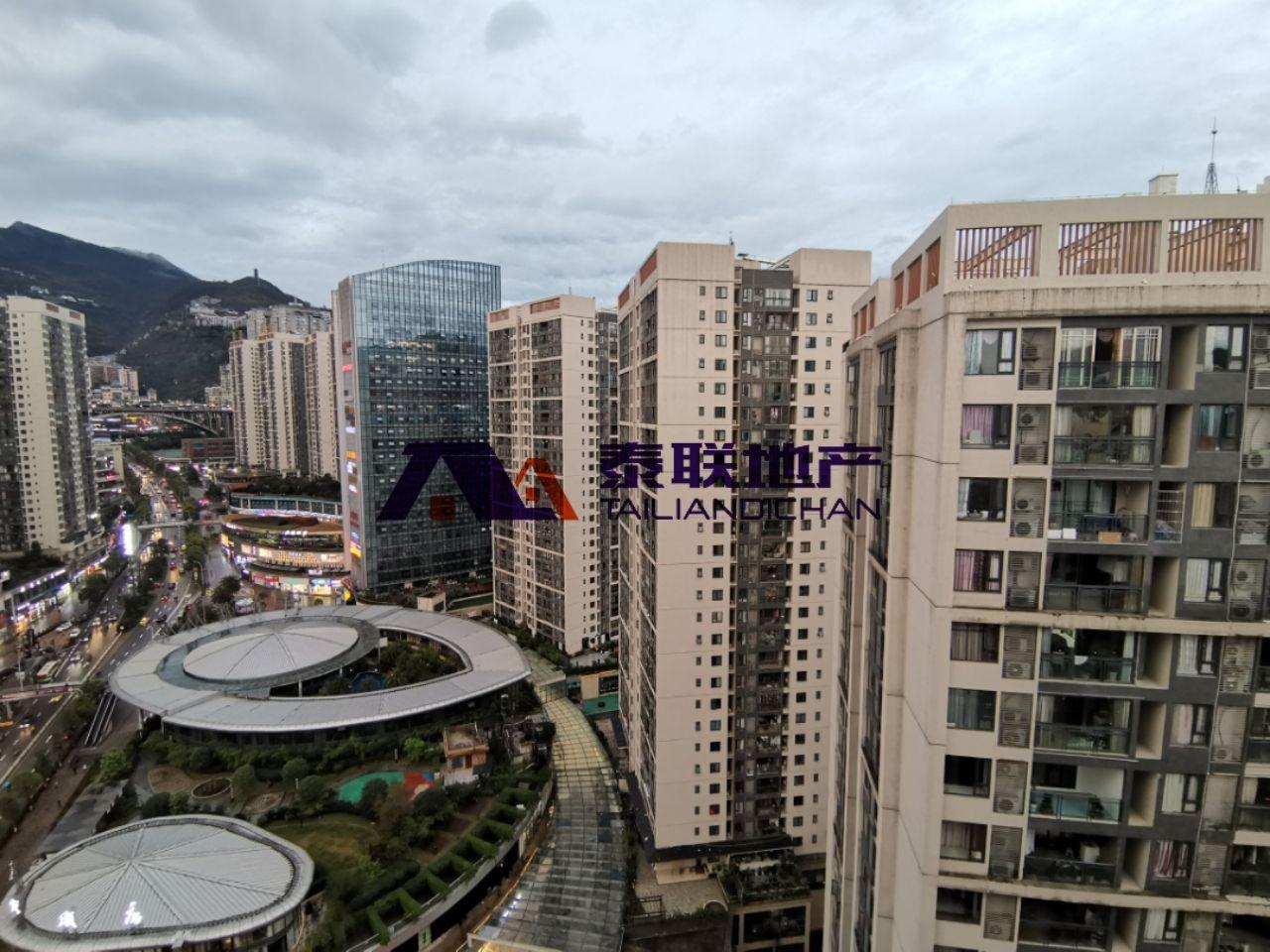 滨江国际A区 两房一厅 精装 带车位出售79.8万