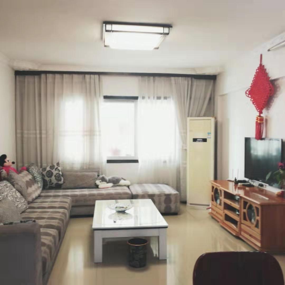 便宜出售永安镇精装三室113平 中间楼层 单价不到4000 交通方便 紧挨学校