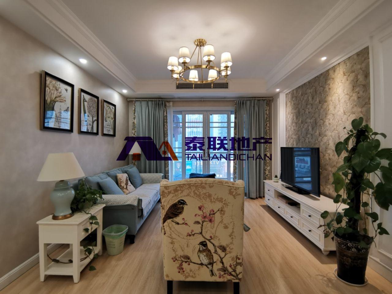 滨江国际优质房源,奉节城市中心,富人区,装修一年左右, 装修换房一步到位