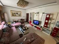 夔门之都精装小三室好房急售,光线户型好,成色新,性价比超高,房子非常舒服!