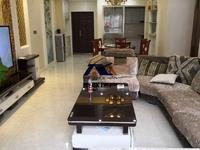 滨江国际A区 三室两厅 111平米 精装修 业主诚心出售 相当于毛坯房的价格